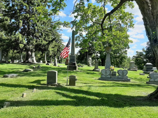 cemetery, things to do, historical landmarks hannibal, mo